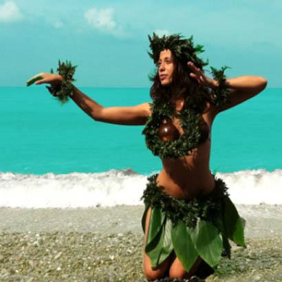 danze-polinesiane-hula-club-magica-spiaggia